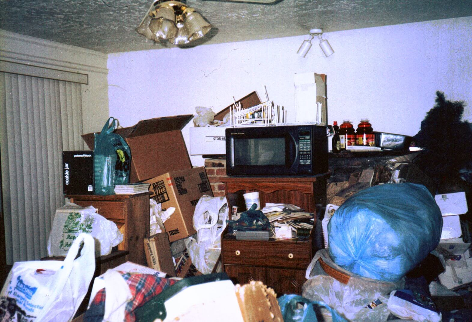 how to help a hoarder - important do's and don'ts | betterhelp
