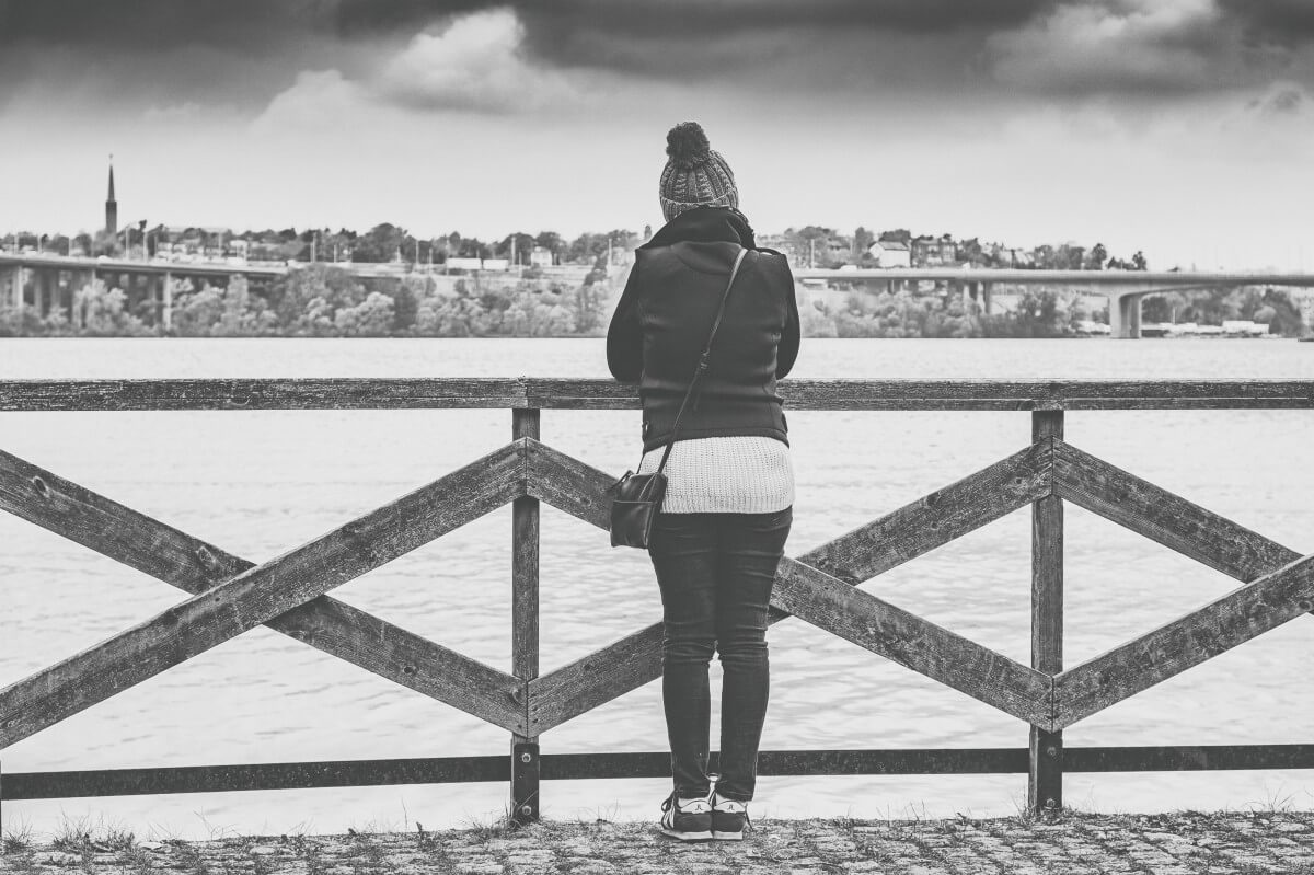 how to help someone feeling depressed