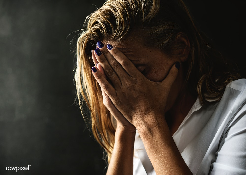 Abused woman is emotionally signs being a Domestic violence