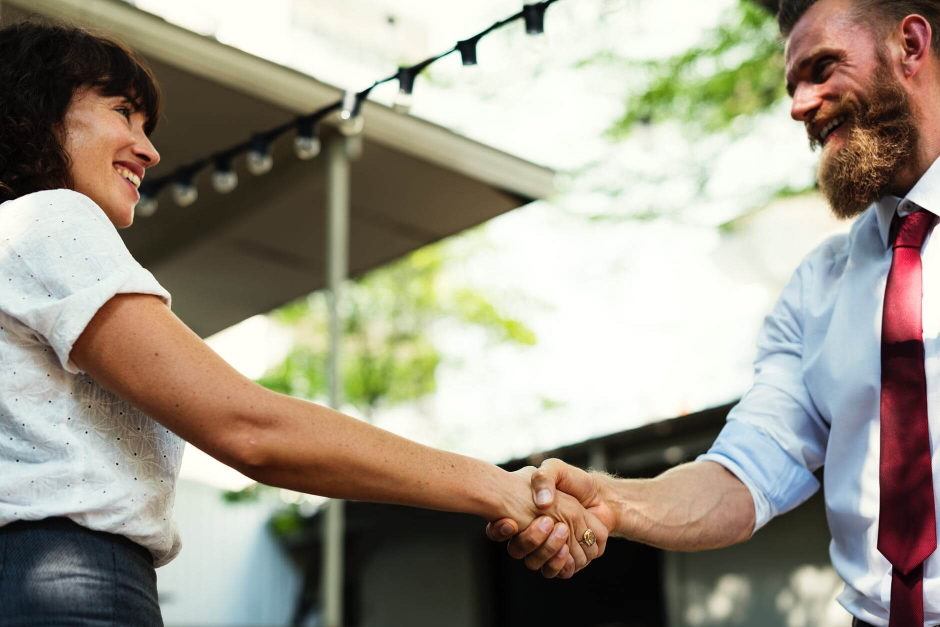 What Are The Different Types Of Body Language Attraction? | Regain