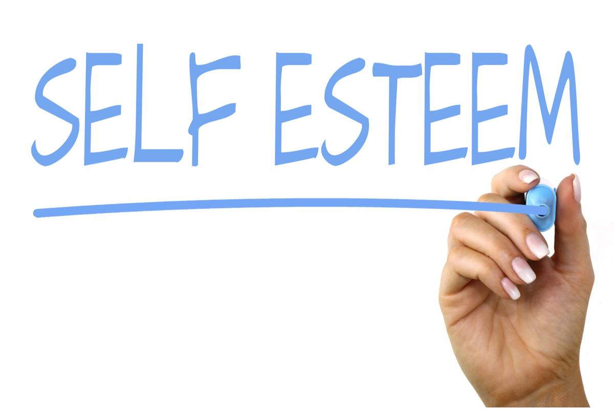 How to help girlfriend with low self esteem