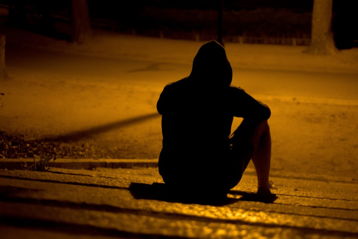 Lonely And Depressed >> The Cycle Of Depression Loneliness Betterhelp